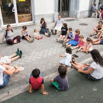 Talleres de Teatro con la comunidad:  El cuerpo artístico y la imaginación